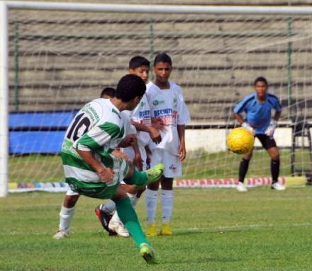 20120704220906-copia-de-smifinal-futbol-infantil-cartagena-abril-2010.jpg