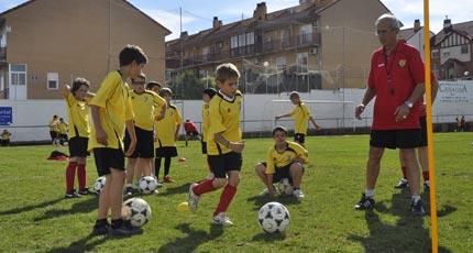 ¿Cómo dirigir un equipo de fútbol base? (2)