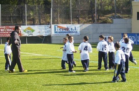 ¿Cómo dirigir un equipo de fútbol base? (3)
