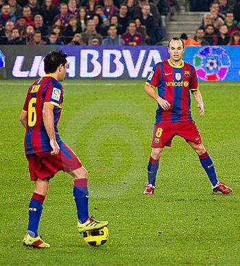 Táctica principios ofensivos: La conservación del balón y el control del juego.