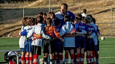 20150523234810-consejos-para-el-entrenador-de-futbol-base.jpg